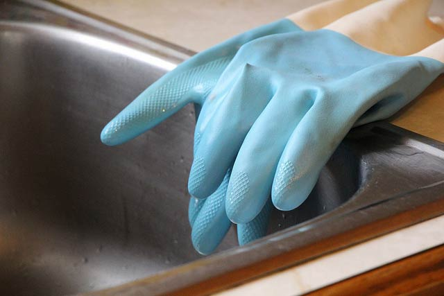 cleaning-up-gloves