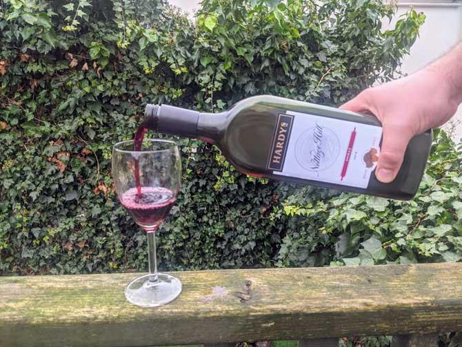letterbox-wine